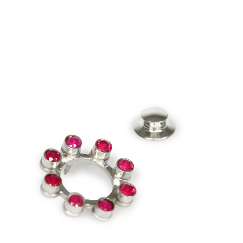 ttmawb_6-1c1_klappertje_ruby_brooch_small