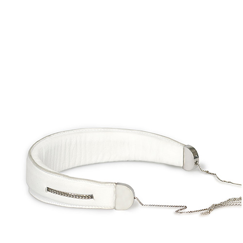 ttmawb_9-b1_headset_white_necklace_small
