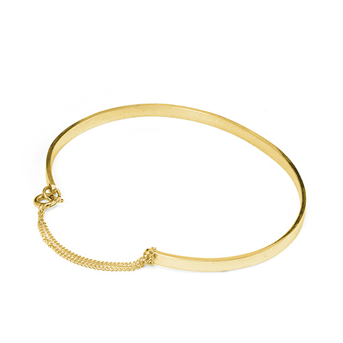 Pop03c_Brandy_gold_bracelet_small