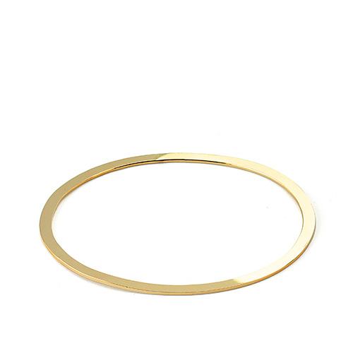 Pop07c_Becky_gold_bracelet_small