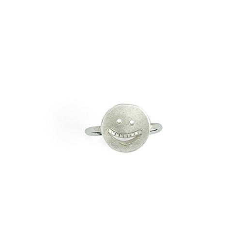 VI32a_TheGrin_silver_ring_thumb