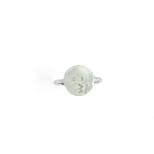 VI32a_TheKiss_silver_ring_thumb